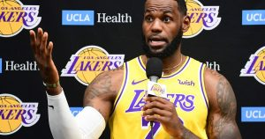 LeBron James Gets Into The Dispute Between China And The NBA – 10/15/2019