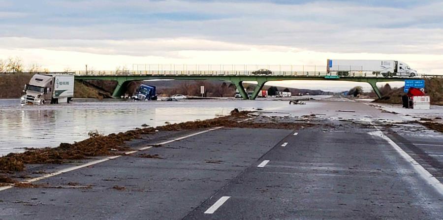 Floods in Oregon begin to diminish
