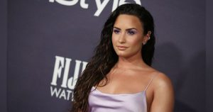 """""""I don't recognize you"""": Demi Lovato hits by being free of makeup 