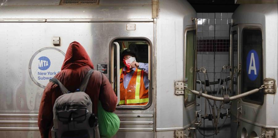 For the first time New York will close the subway at night to disinfect it