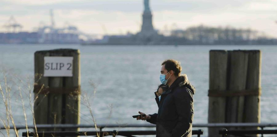 New York advocates maintaining restrictions even as coronavirus cases and deaths go down
