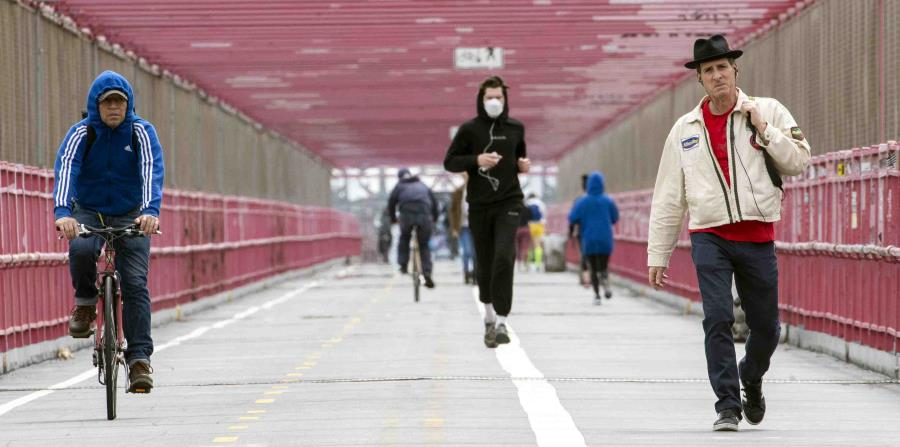 Many refuse to wear a mask in New York despite regulations