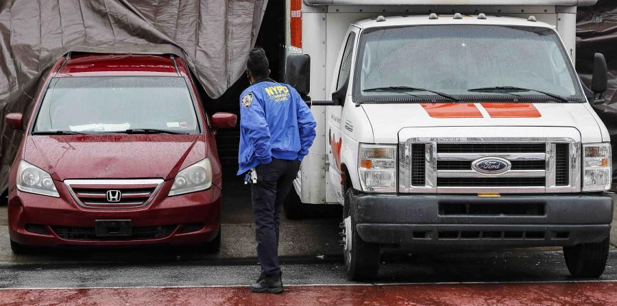 The license is withdrawn from the New York funeral home that piled bodies in trucks