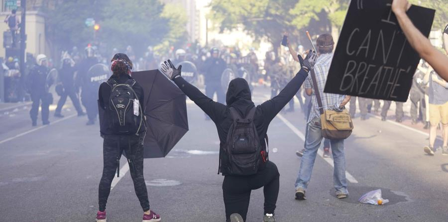 Launches tear gas against protest in front of the White House