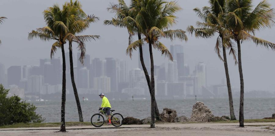 Plans for the hurricane season in the United States complicated by the coronavirus