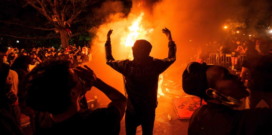 Protests and violence mark the beginning of a turbulent week for the United States