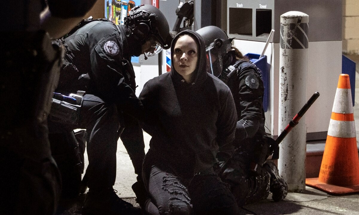 Authorities arrest 27 more people in Portland after 100 consecutive days of protests