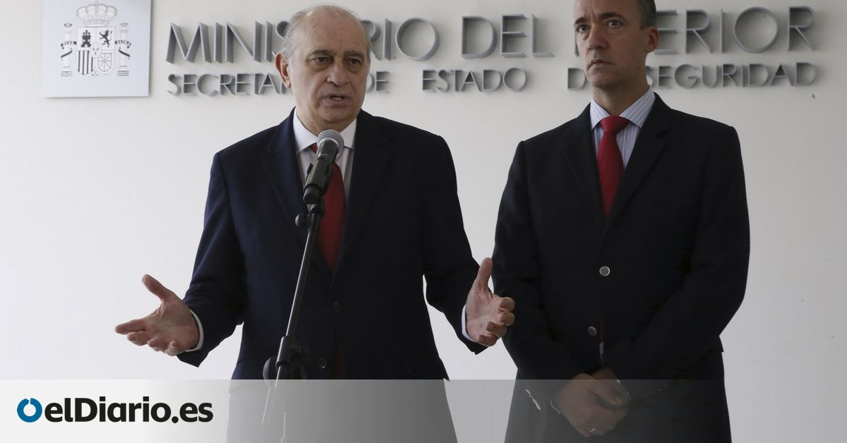 The Former Number Two Of The Interior Deposited Four Messages Before a Notary Public Speaking With Fernández Díaz About Espionage To Bárcenas