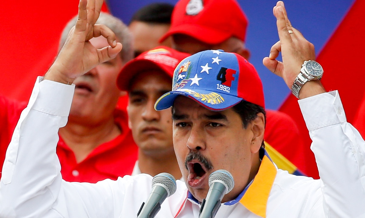 Nicolás Maduro mocks Mike Pence for fly that landed on his head during debate