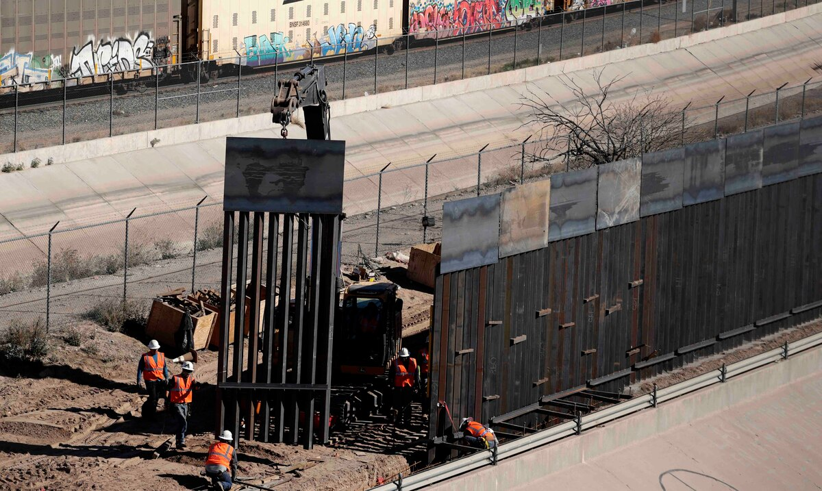 Illegal border crossings between the United States and Mexico increase