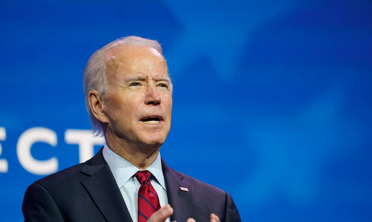 """Biden says the darkest days of the pandemic """"are yet to come"""" in the United States"""