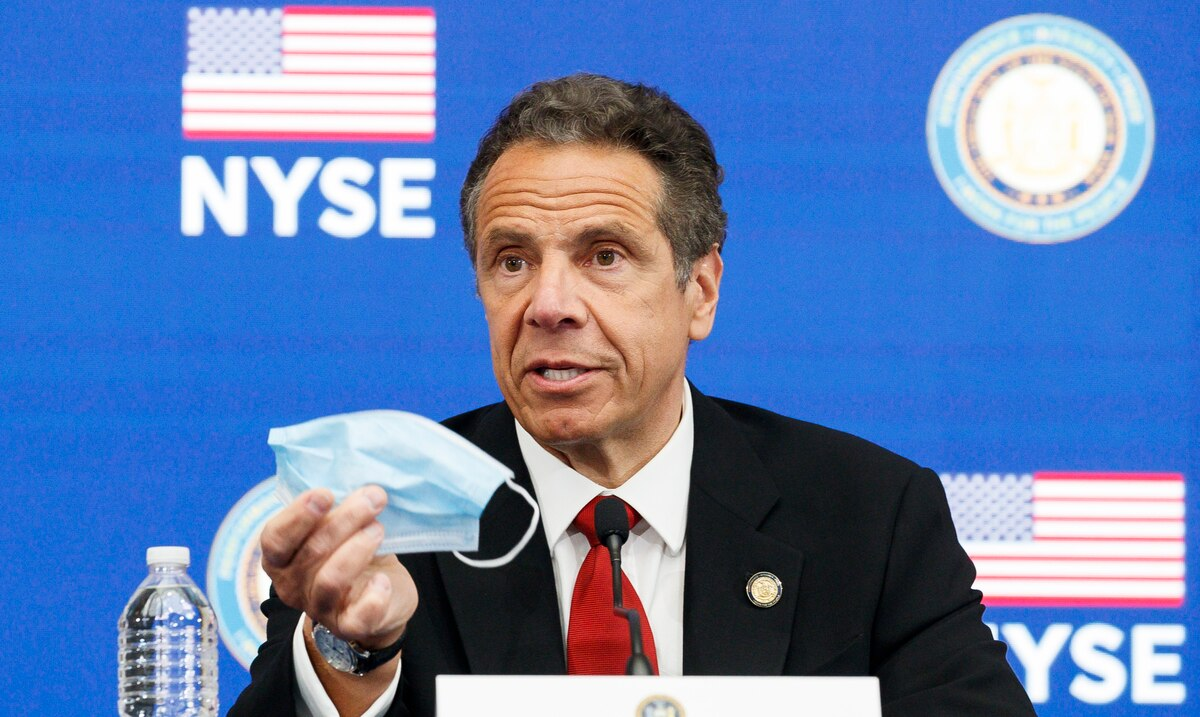 Cuomo asks the federal government to take action against new virus variant