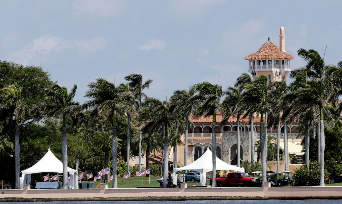 Mar-a-Lago Residents Don't Want Donald Trump As a Neighbor When He Leaves The White House