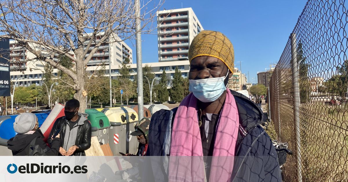 """The Occupied Badalona Ship Overflowed During The Pandemic: """"A Lot Of New People Came And We Had Nothing To Eat"""""""