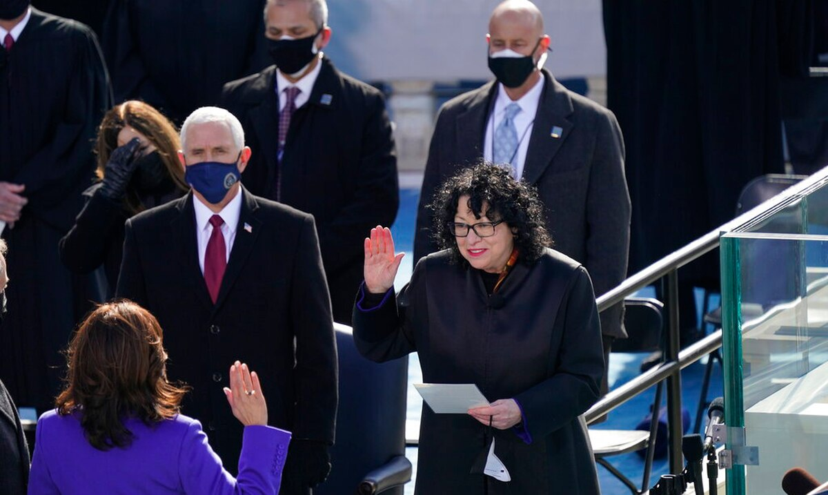 Analysis: Kamala Harris swearing in sends a message of inclusion to diversity