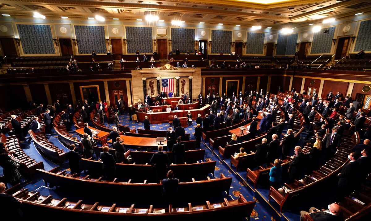 Congress resumes its session on the elections after assault on the Capitol