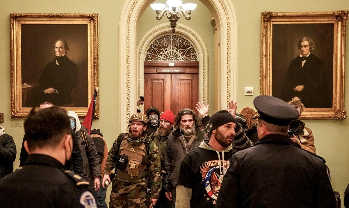 Los vínculos republicanos con grupos extremistas están bajo escrutinio