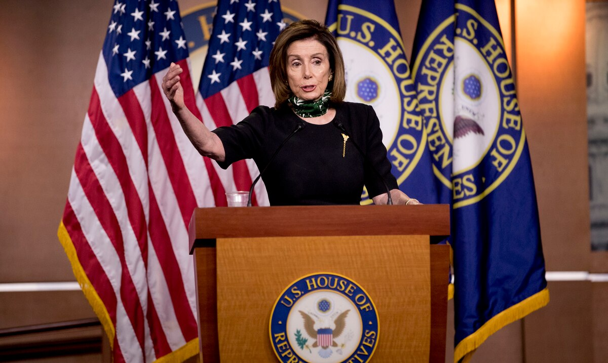 Nancy Pelosi talks to the Pentagon to prevent Donald Trump from using nuclear weapons codes