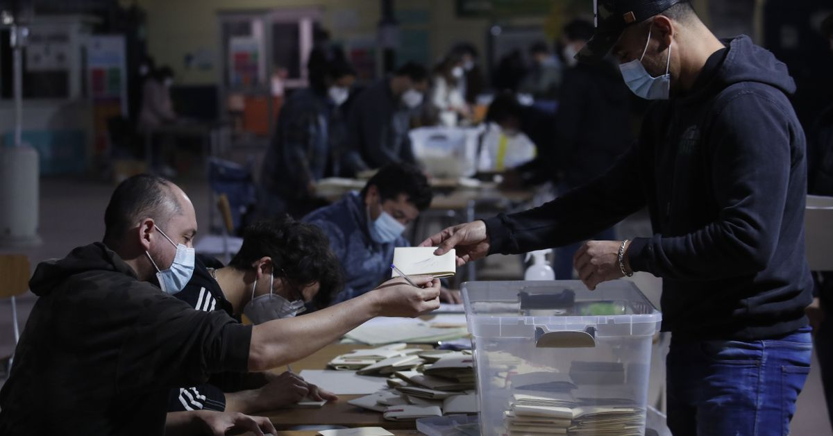 Chile Entrusts The Drafting Of Its New Constitution To The Opposition And Citizens Outside The Political Parties