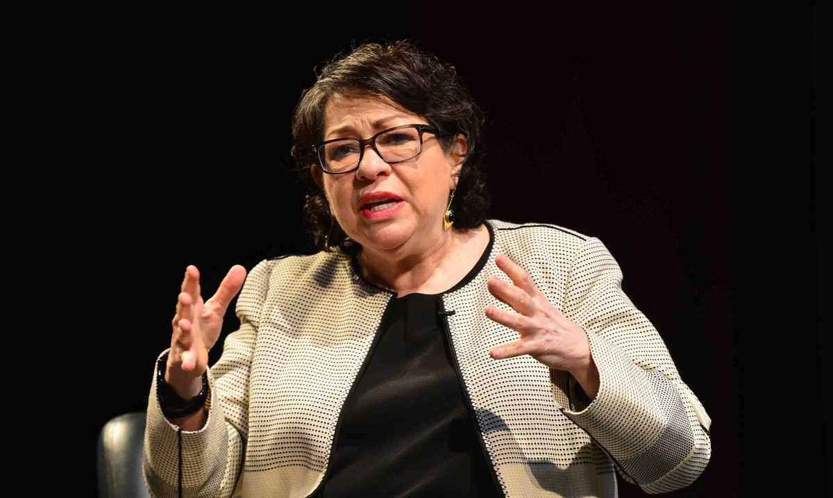 Sonia Sotomayor affirms that the United States must make a critical analysis of the Police and its relationship with society