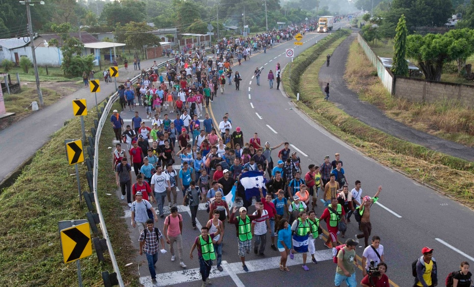 As the thousands of people crossed Mexico they received expressions of solidarity and help.