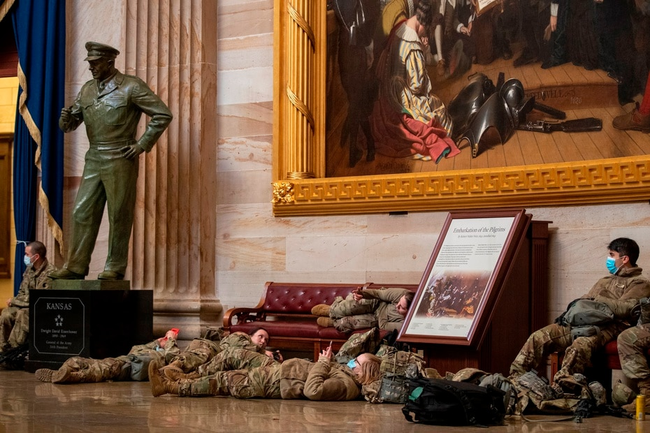 For the first time since the Civil War (1861-1865), several hundred soldiers were quartered inside the Capitol.