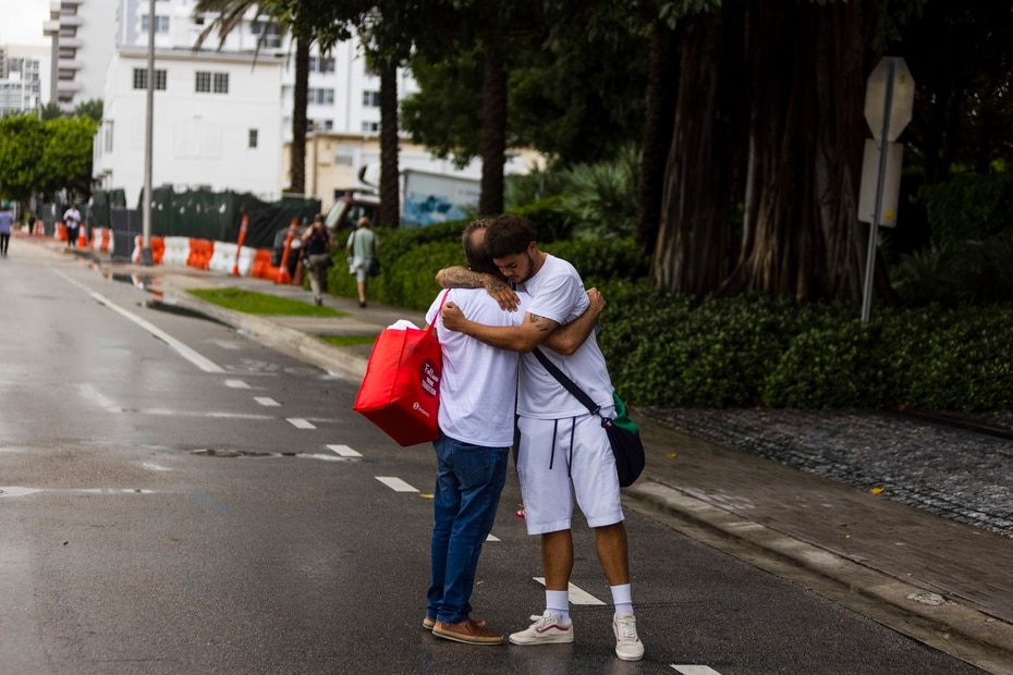 On Friday night, the mayor of Miami-Dade, Daniella Levine Cava, indicated that they have not rescued anyone else, the number of deaths remains at four and the number of missing at 159