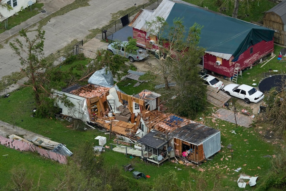 In the image a destroyed home in the city of Houma, in Louisiana.