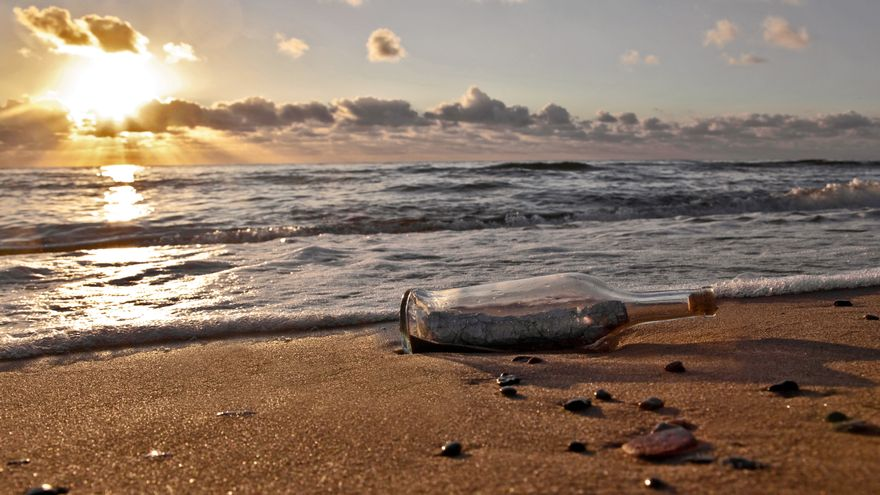 Message in a bottle, from Japan to Hawaii in 37 years